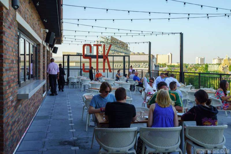 STK Orlando, Orlando outdoor dining, STK outdoor tables Orlando